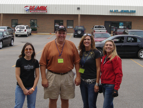 Photo with Jim Craver from RE/MAX Alliance. Thanks Jim for his time for sponsorhip and for allowing us to use RE/MAX's parking lot for the observation run!